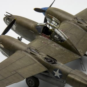 Lockheed P-38E Lightning 1:48